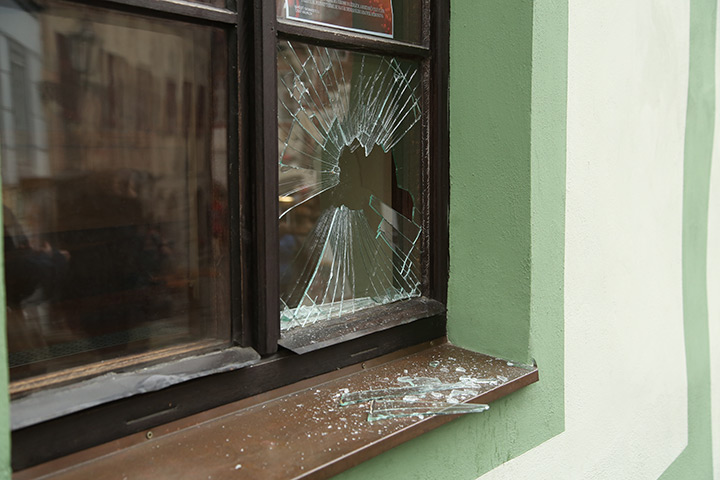 A2B Glass are able to board up broken windows while they are being repaired in Islington.